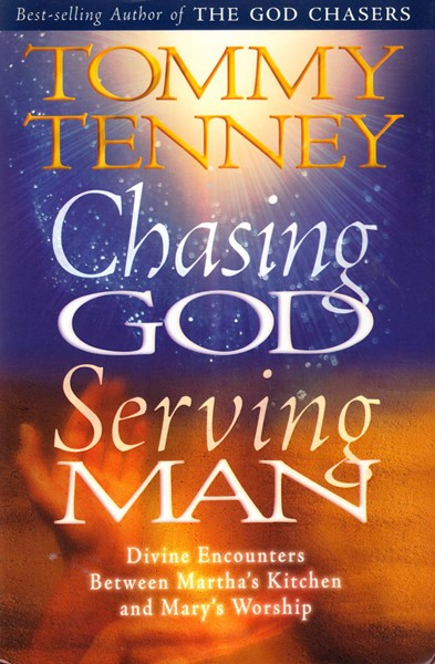 Chasing God serving man (Copertina rigida)